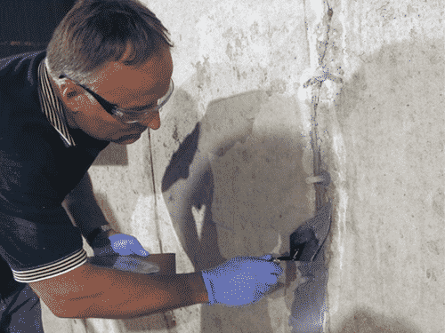 fixing foundation crack